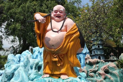 Laughing Buddha in hindi